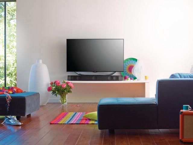 t l viseur enceintes home cin ma les nouveaut s pour un salon dernier cri. Black Bedroom Furniture Sets. Home Design Ideas
