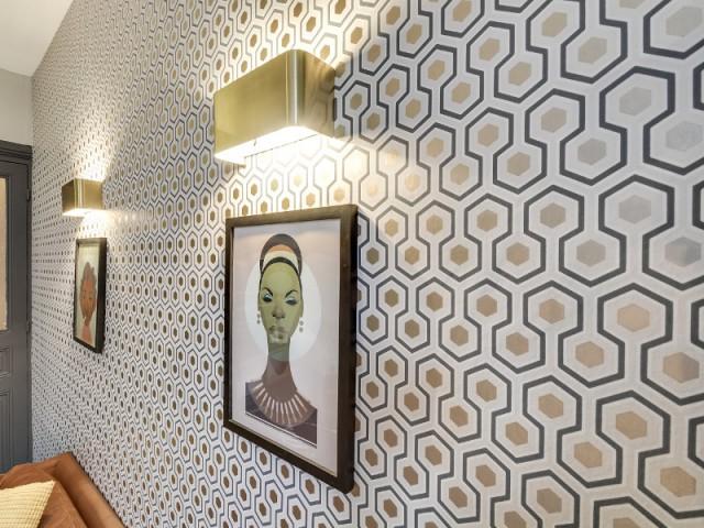 1 appartement parisien adopte le total look vintage. Black Bedroom Furniture Sets. Home Design Ideas