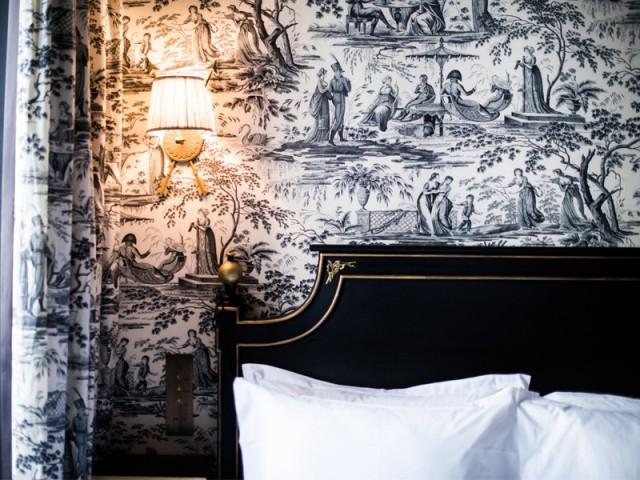 Vue à l'hôtel JoBo : de la toile de Jouy pour habiller les murs - 10 idées déco vues à l'hôtel JoBo, à Paris