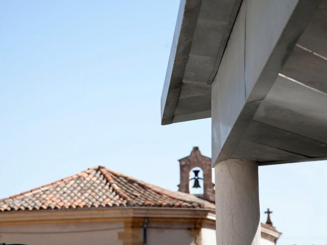 Une vue dégagée sur le centre historique - Une villa s'immisce dans un village provençal