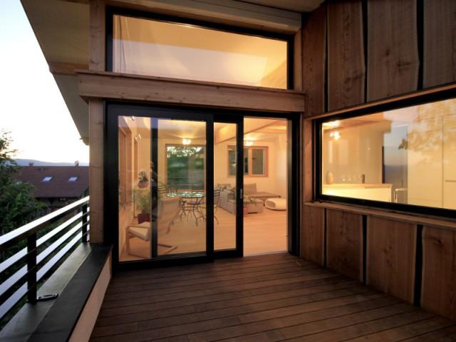 Une terrasse en bois comme un cocon