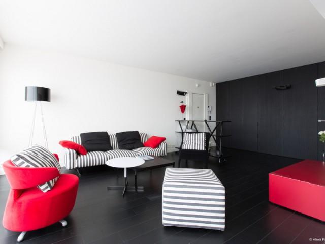 Un salon spacieux dans l'air du temps