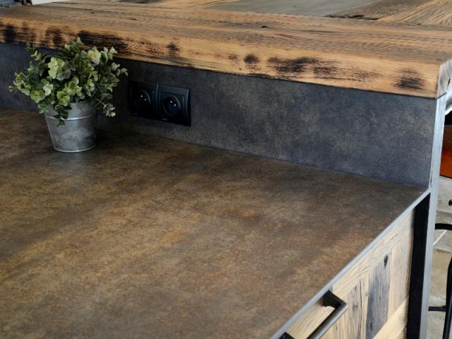 Populaire Une cuisine industrielle se fait une place dans une maison provençale UJ35