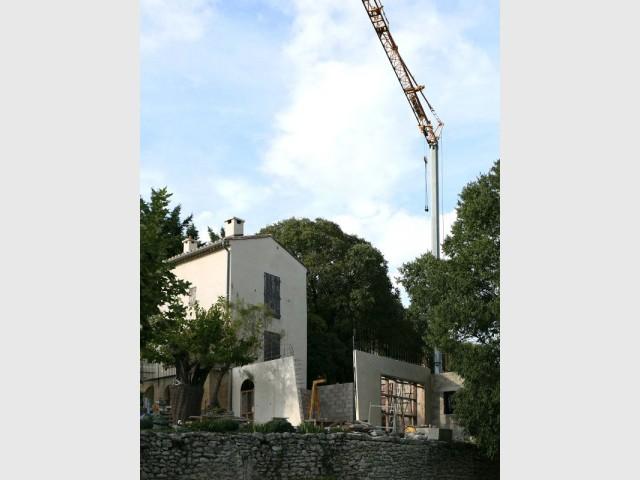 Une extension réalisée uniquement en béton brut - Réalisation-extension d'un mazet, un petit mas provençal dans le Gard