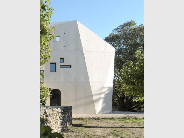 Fiche technique : réalisation-extension d'une maison dans le pays l'Uzège (Gard) - Réalisation-extension d'un mazet, un petit mas provençal dans le Gard