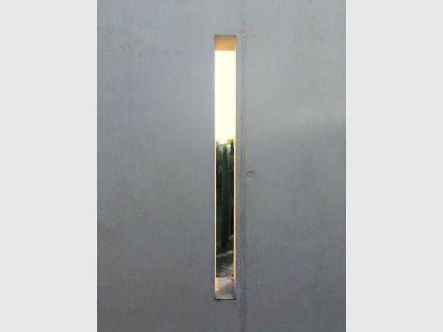 Peu de percements au Nord du bâtiment en raison de la présence du mistral  - Réalisation-extension d'un mazet, un petit mas provençal dans le Gard