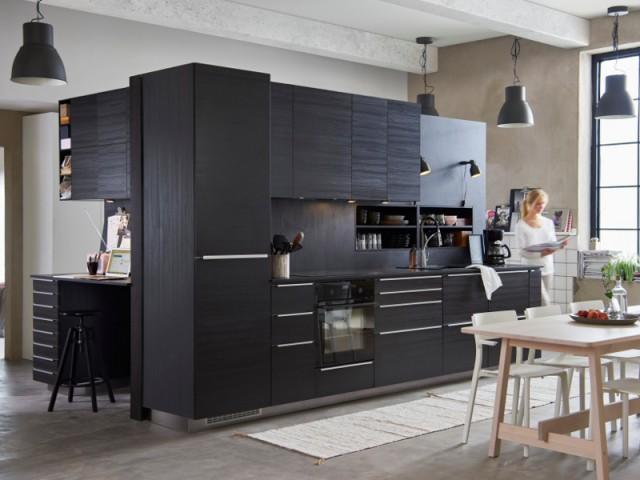 Le noir s'invite dans la cuisine