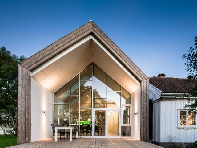 Extension contemporaine pour une ferme traditionnelle for Extension contemporaine maison traditionnelle