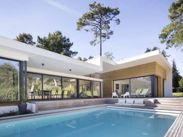 Une villa intimiste avec piscine d bordement for Villa atypique