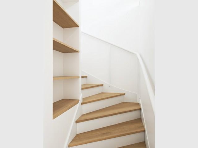 L'omniprésence du bois et du blanc dans les pièces