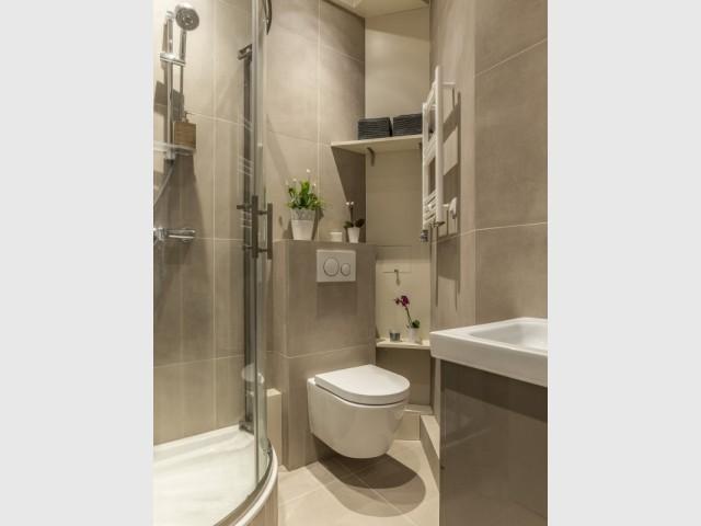 Une salle de bains à l'agencement millimétré