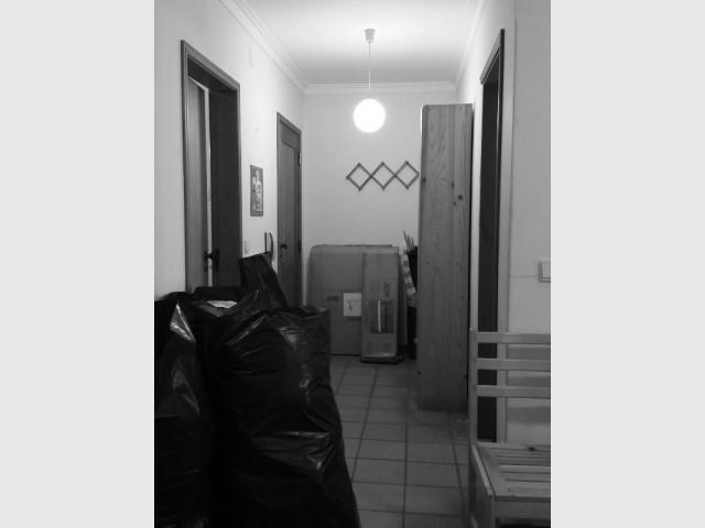 Couloir d'entrée de l'appartement des années 80