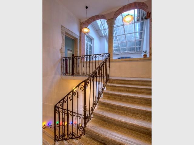 L'escalier central de la Maison d'Ambronay