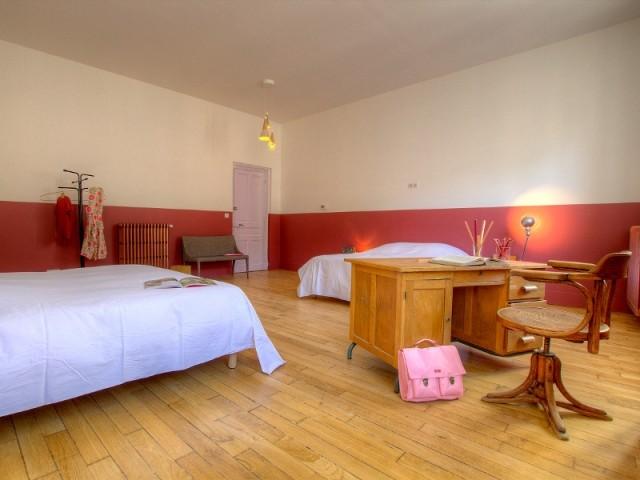 """La chambre """"CE1 piscine"""" de la Maison d'Ambronay"""
