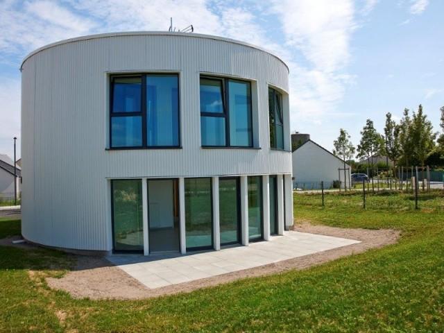 maison ronde bois cool maison ronde with maison ronde. Black Bedroom Furniture Sets. Home Design Ideas