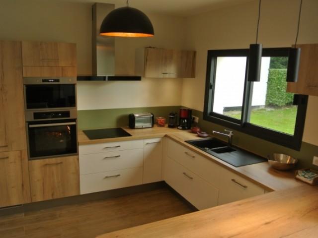 La cuisine s'inscrit dans la continuité du jardin