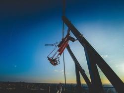 A'Dam Lookout : Vous balancer au-dessus de 100 mètres de vide, ça vous tente ?
