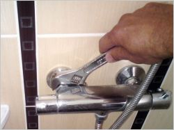 Installer un robinet de douche