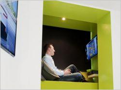 """Une """"chambre du futur"""" ultra high-tech en test dans un hôtel parisien"""