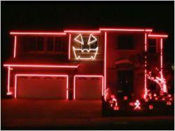 Une maison s'illumine au son de Gangnam Style (vidéo)