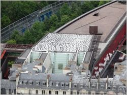 Une oeuvre aborigène sur le toit du Musée Branly