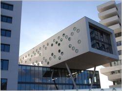 Un ensemble architectural 100% Corian® sort de terre aux Pays-Bas