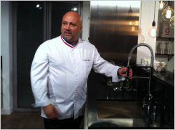 Le chef Frédéric Anton imagine une cuisine tout inox pour Lapeyre