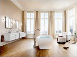 Idées d'aménagements salle de bains : une baignoire en îlot
