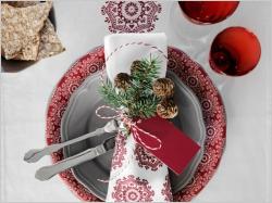 Tables de Noël : accessoirisez-les avec ce que vous avez à portée de main !