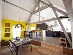 Une maison alsacienne retrouve charme, lumière et couleur