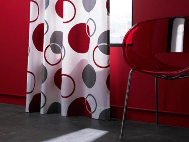 les rideaux se d voilent. Black Bedroom Furniture Sets. Home Design Ideas