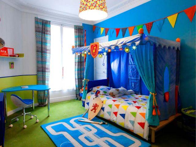 Une chambre d 39 enfant retrouve couleurs et rangements for Chambre fille garcon ensemble