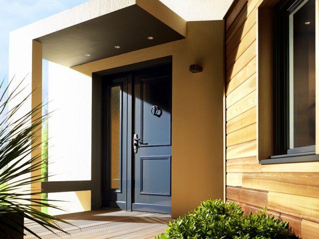 Bien choisir sa porte d 39 entr e for Renover une porte en bois