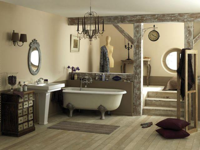 10 salles de bains fondues dans le d cor - Refaire son interieur pas cher ...