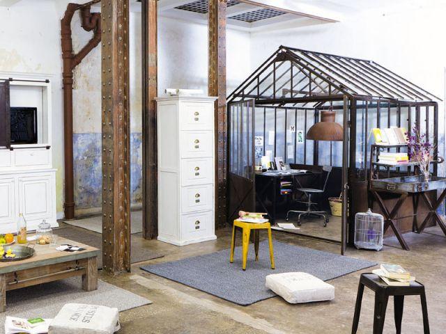 10 pi ces au look industriel. Black Bedroom Furniture Sets. Home Design Ideas