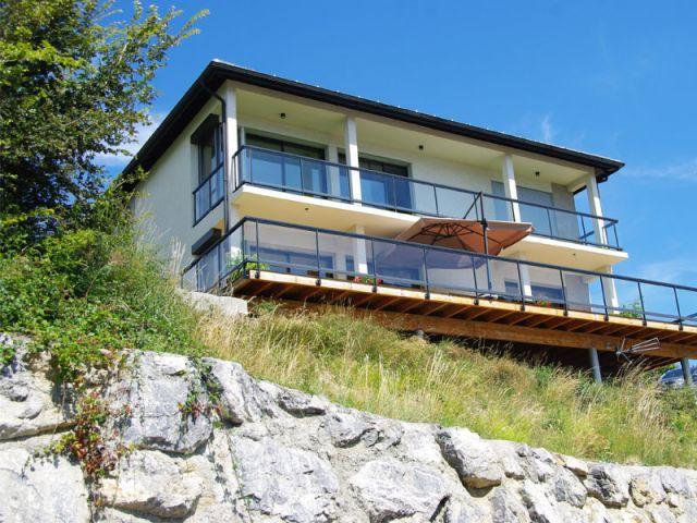 Captivating ... Beautiful Maison Pilotis Terrain Pente #6: Gallery Of Une Imposante  Maison Construite En Pleine ...
