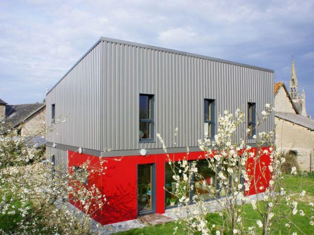 Une maison passive prix optimis mont e en 3 jours for Prix maison structure metallique