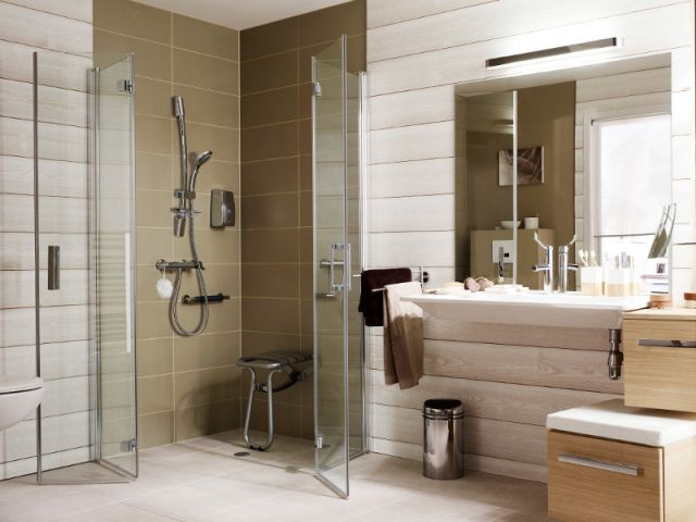 am nager une salle de bains pour une personne g e. Black Bedroom Furniture Sets. Home Design Ideas