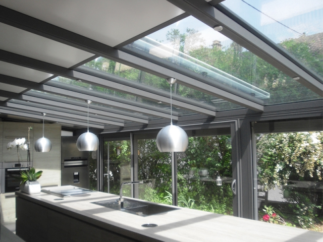 d licieux luminaire pour veranda 11 poutre en bois plafond avec poutres en bois apparentes et. Black Bedroom Furniture Sets. Home Design Ideas