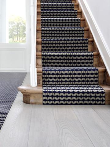 1 tapis moderne pour 1 escalier graphique for Tapis salon graphique