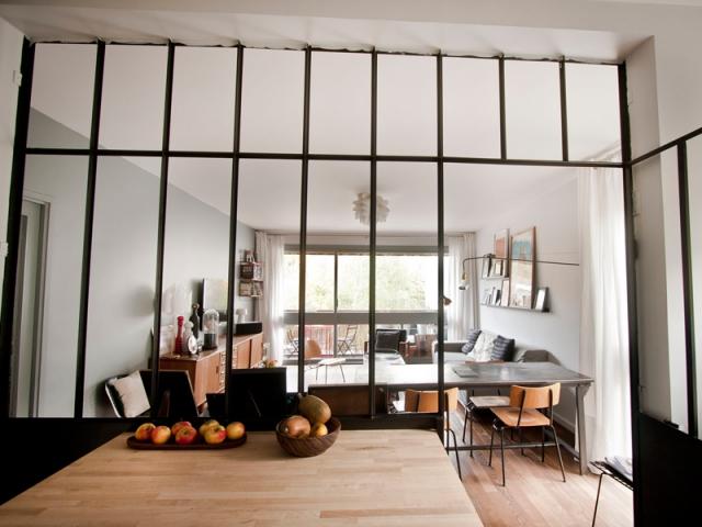 coup de jeune pour un appartement des ann es 70. Black Bedroom Furniture Sets. Home Design Ideas
