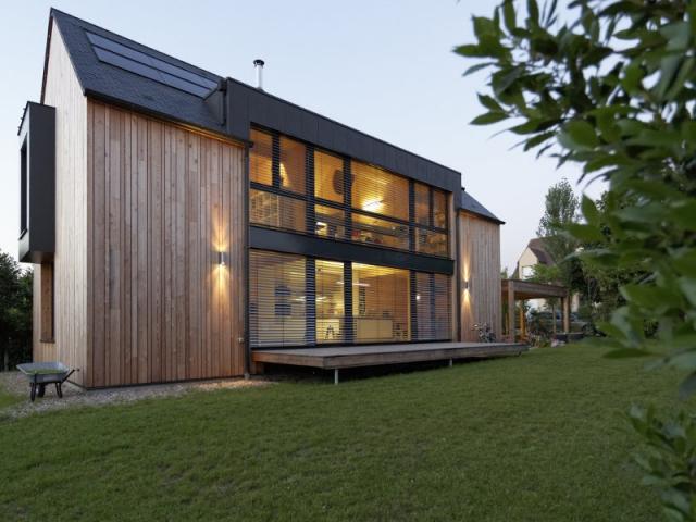 une maison passive allie inspiration japonaise et performances nerg tiques. Black Bedroom Furniture Sets. Home Design Ideas