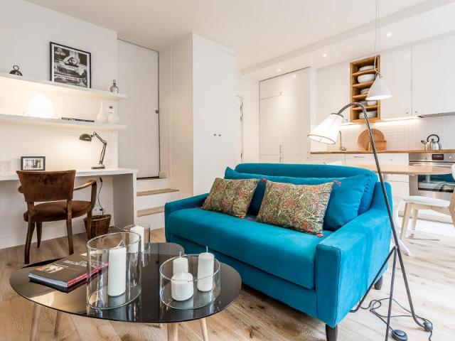 1 appartement parisien de 35 m2 se r invente en subtilit. Black Bedroom Furniture Sets. Home Design Ideas