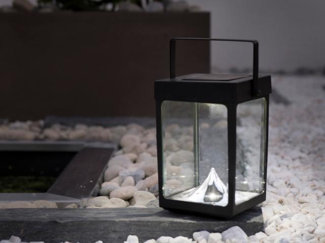 la baladeuse solaire un objet outdoor incontournable. Black Bedroom Furniture Sets. Home Design Ideas