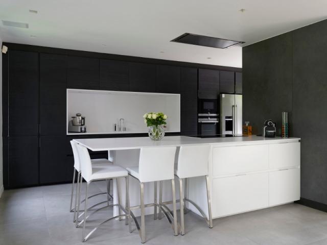Une cuisine haut de gamme qui joue sur les contrastes - Cuisines haut de gamme ...