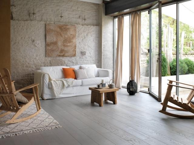 Une chambre zen au parquet gris