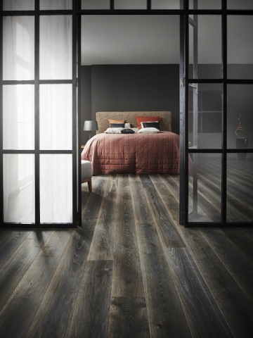 Un parquet noir intense pour la chambre