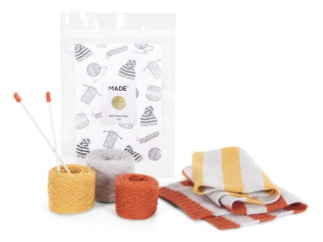 Payton, kit de tricot pour écharpe orange et gris, 25 €