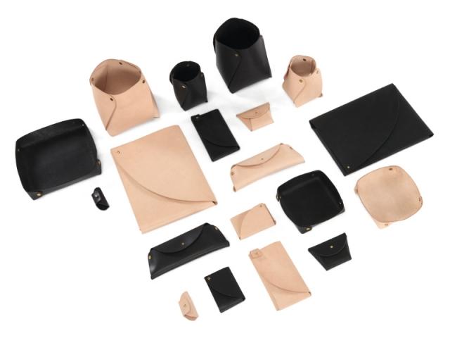 Nori, collection de pots, étuis, vide-poches en cuir naturel et laiton, à partir de 15 €