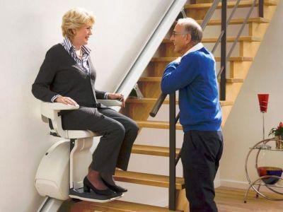 comment choisir son monte escalier. Black Bedroom Furniture Sets. Home Design Ideas